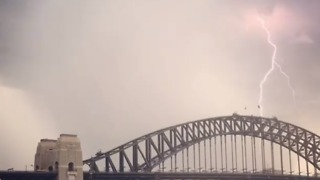 Lightning Strikes Over Sydney Harbour Following Sweltering Heat - Video