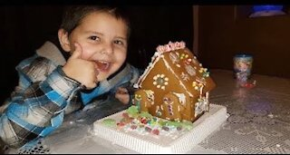 Gingerbread House Kit: It's My First One!