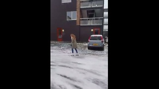 Ice skating on the frozen streets of Holland - Video