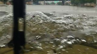 Hummer H1 Conquering The Floods In Houston - Video