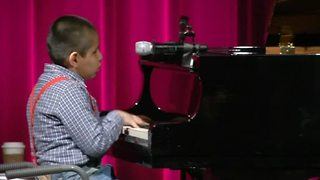 Bolivian child musical prodigy shines in Washington D.C. - Video