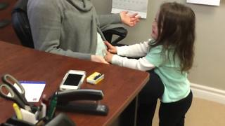 Toddler adorably excited to meet her new cousin - Video