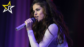 Selena Gomez Falls Onstage During 'Revival Tour' Performance In Tulsa - Video