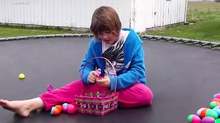 Girl Finds Live Frog In Easter Egg - Video