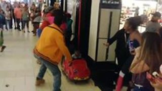 Toddler Caught Up in Brawl at Fort Myers Mall