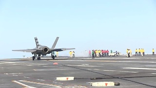 F-35C fighter jet makes first aircraft carrier landing - Video