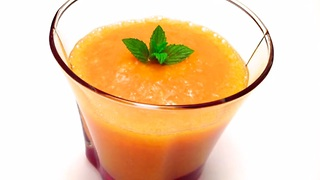How to make a healthy orange and apricot smoothie
