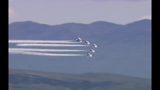 Thunderbirds set to fly over Las Vegas on return from an air show Monday