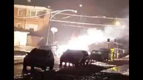 Downed Power Line Bursts Into Flames on Chicago Street