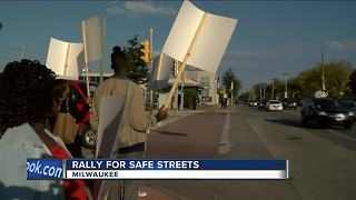 Rally for safe street in Milwaukee - Video