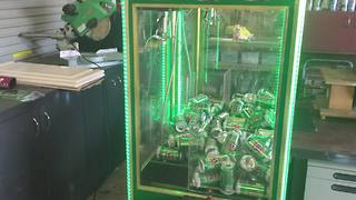 Man turns claw machine into beer can skill tester - Video