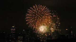 40th Anniversary Macy's Fireworks Display Lights Up NYC - Video