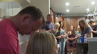 Military veteran holds BBQ for shooting victims - Video