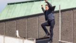 Tom Cruise Limps Away After Stunt On 'Mission: Impossible 6' - Video