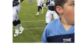 Young Football Fan Has Best Reaction After Getting High 5 From Titans Quarterback - Video