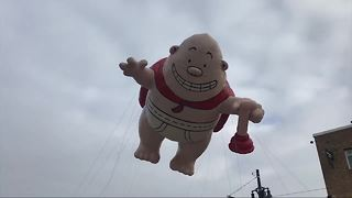 Thousands flock to America's Thanksgiving Parade in Detroit - Video