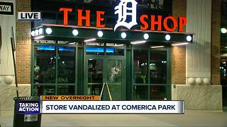Man smashes windows, door with sledgehammer at Comerica Park in Detroit - Video