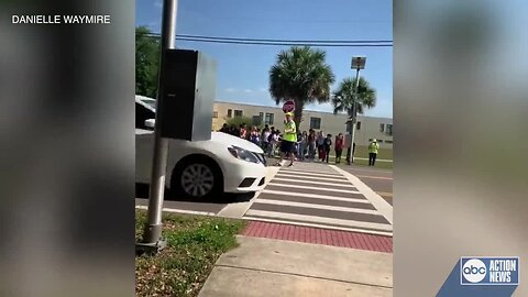 VIDEO: Drivers not stopping for crossing guard in crosswalk