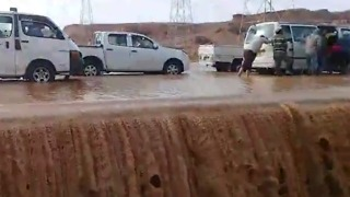 Ain Sokhna Road Overflows, Stalling Cars After Storm - Video