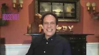 Mel talks with Diedrich Bader from American Housewife