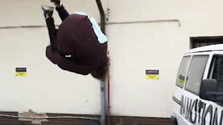Parkour guy spectacularly jumps into car!