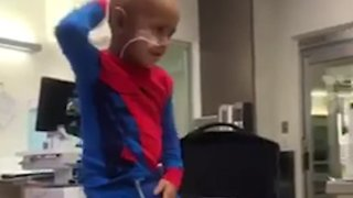 5-Year-Old Dances His Way Through Cancer Treatment to Michael Jackson - Video