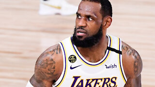 """LeBron James Reacts To Tweet About Playing With """"Bums"""" All Season"""