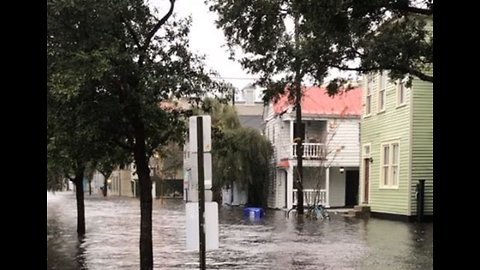 Record-Setting Rain Floods Charleston Streets