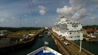 Time-lapse journey through Panama Canal in six minutes - Video