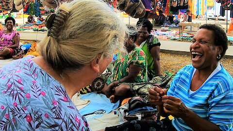 Canadian woman shares adorable interaction with market vendors in Papua New Guinea