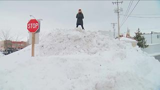 Beaver Dam residents react to recent snowfall - Video