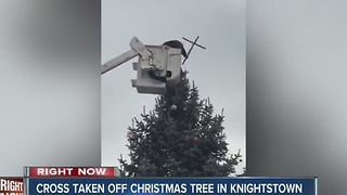 Cross removed from Christmas tree in Knightstown - Video