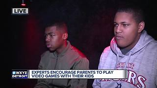 Experts encourage parents to play video games with their kids - Video