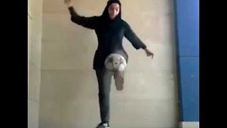 Talented Girl Shows Off Incredible Football Tricks - Video