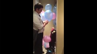 This Woman Uses Over 120 Balloons For a Fascinating Gender Reveal  - Video