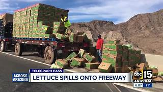 Lettuce spills onto freeway in southern Arizona - Video