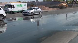 Leak fills Las Vegas intersection with water - Video