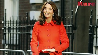 Kate Middleton wore a gorgeous $300 red coat | Rare People - Video