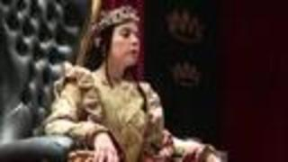 For the first time, a queen reigns at Medieval Times - Video