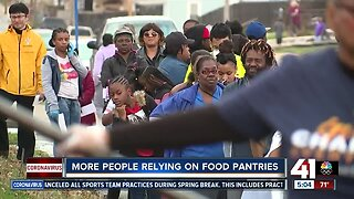 More people relying on food pantries amid COVID-19 outbreak
