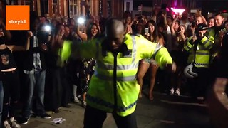 Police Who Love a Dance-Off - Video