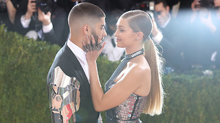 Are Gigi Hadid And Zayn Malik OFFICIALLY Back Together?! - Video