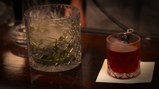 This Smoked Manhattan Is a Billowing Riff on NYC's Classic Whiskey Cocktail - Video
