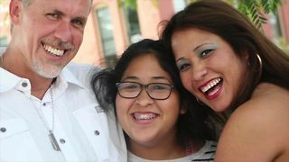 Family fights deportation of KC bar manager - Video