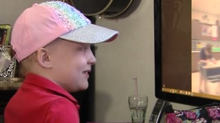 Technology helping a little girl battling cancer - Video