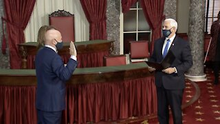 Former Astronaut Mark Kelly Sworn In As U.S. Senator For Arizona
