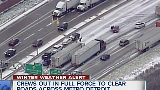 Icy roads cause traffic problems - Video
