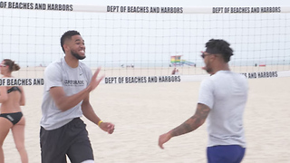 Karl Anthony Towns & D'Angelo Russell Get KILLED by Pro Beach Volley Team - Video