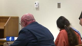 Kaukauna woman pleads not guilty to robbing Little Chute bank - Video