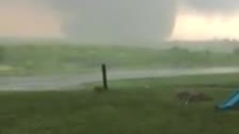 Epic tornado footage captured from nearby home